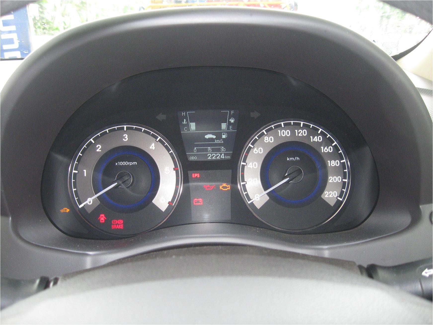 hyundai fluidic verna speedometer the authentic car people